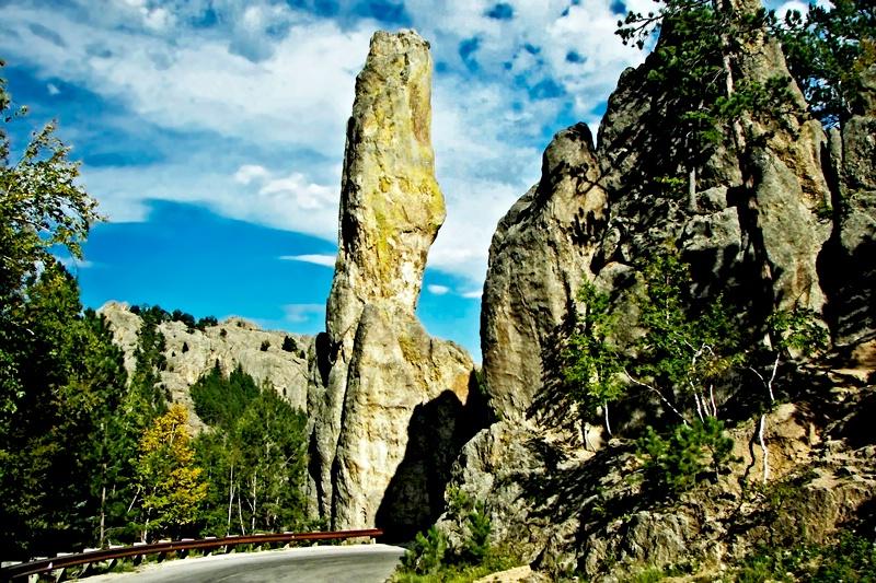 Needles Scenic Byway - ID: 11571214 © Denny E. Barnes