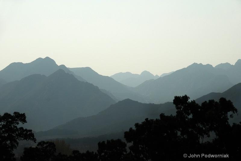 Valleys - ID: 11780769 © john podworniak
