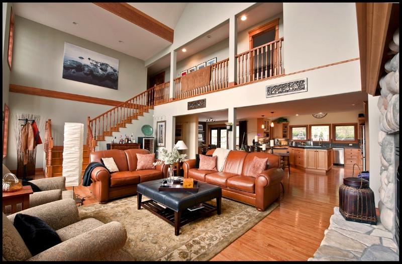 Livingroom - ID: 11826959 © Kelly Pape