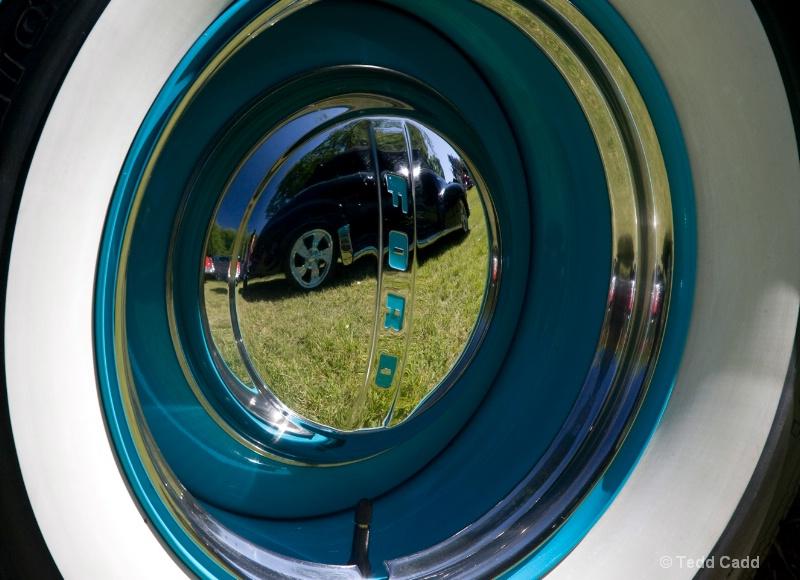 A Two Vehicle Wheel - ID: 11897451 © Tedd Cadd