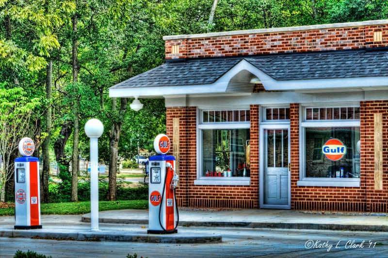 1940s Gulf Service Station in Athens Alabama