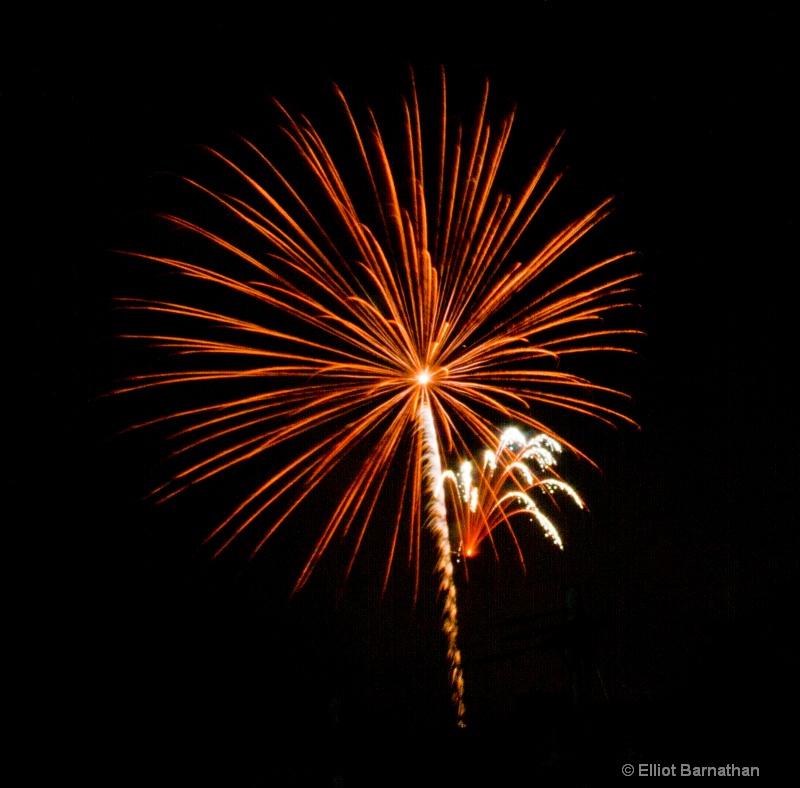 Fireworks 11 - ID: 11929731 © Elliot S. Barnathan