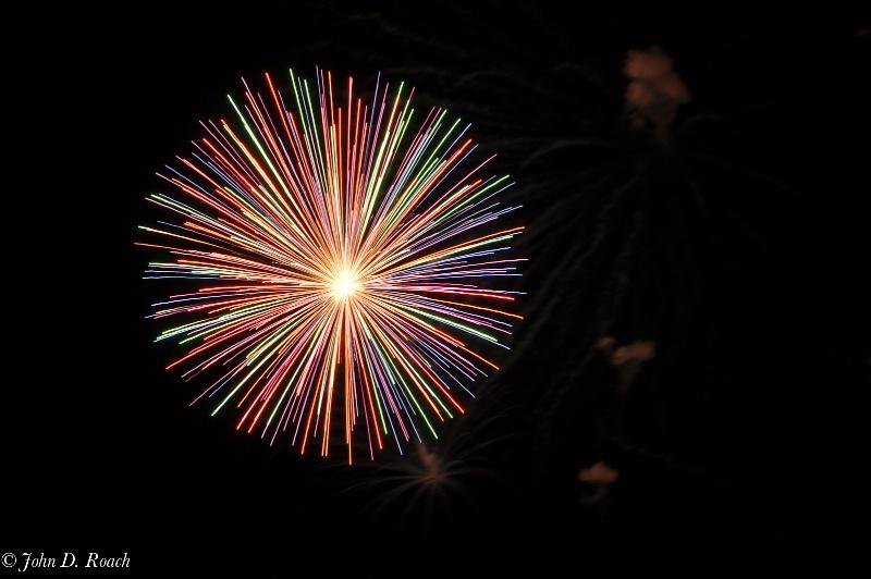 2011 july 4 fireworks  1 - ID: 11940390 © John D. Roach