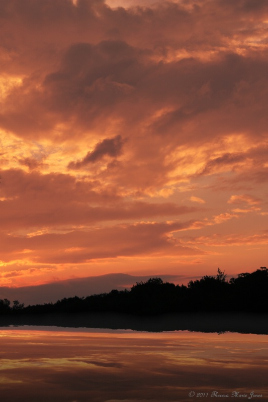 Beautiful Sunset - ID: 12100875 © Theresa Marie Jones