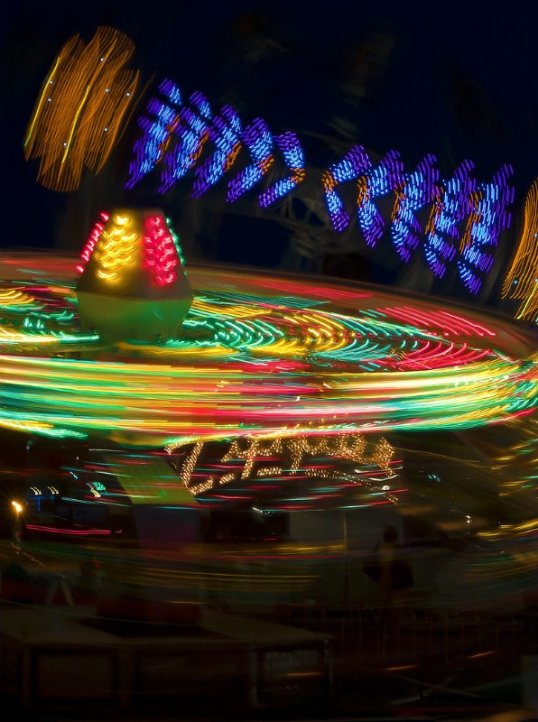 Local Traveling Amusement Rides - ID: 12100899 © Kelly Pape
