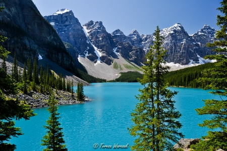classic view over Moraine Lake
