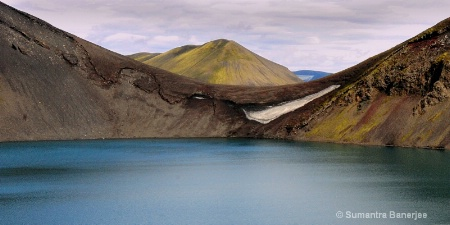 exquisite colours  crater lake iceland