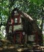 Little house on t...