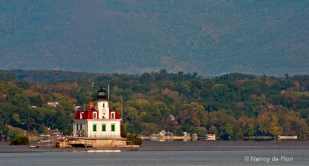 Esopus Meadows Light with Catskills in the backgro