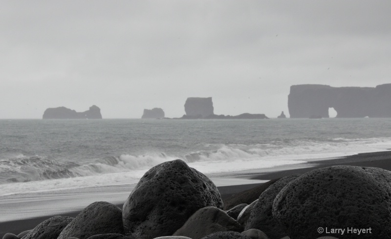 Iceland Coast - ID: 12451326 © Larry Heyert
