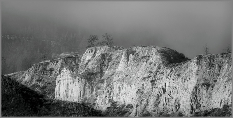 Ridgeline - ID: 12472079 © Kelly Pape