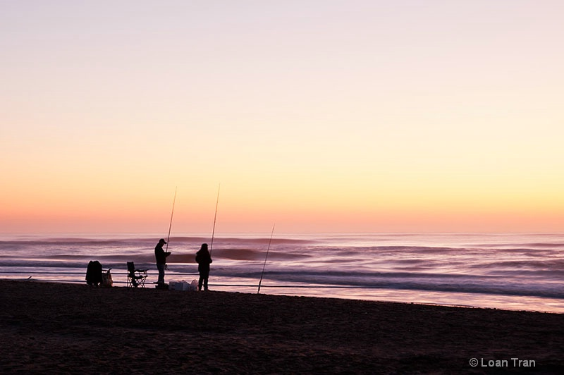 Fishing at dawn - ID: 12541596 © Loan Tran