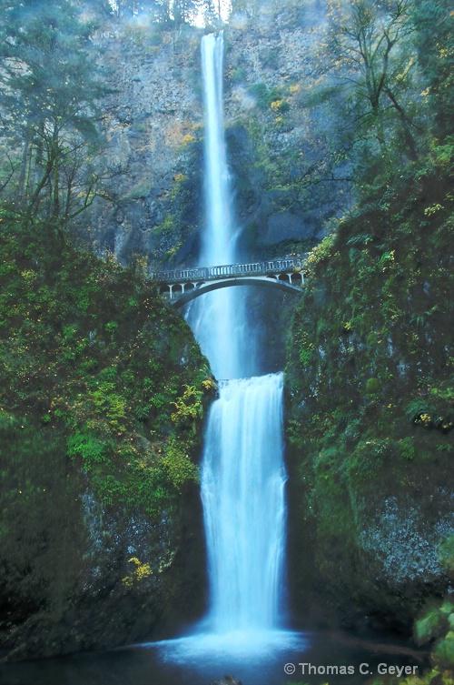 Multnomah Falls - ID: 12559130 © Thomas C. Geyer