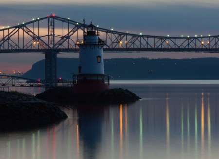 Tapanzee Bridge & lighthouse