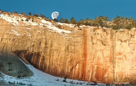 zions morning moon