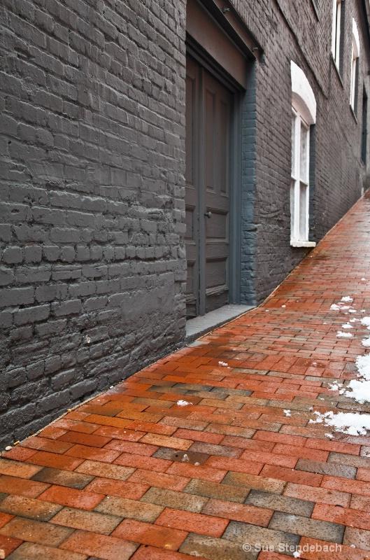 Side Street in Georgetown - ID: 12672653 © Sue P. Stendebach
