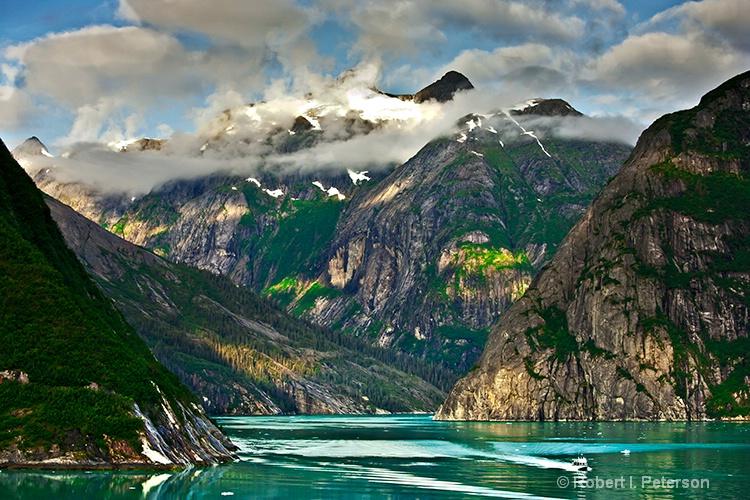 Alaska - ID: 12676670 © Bob l. Peterson