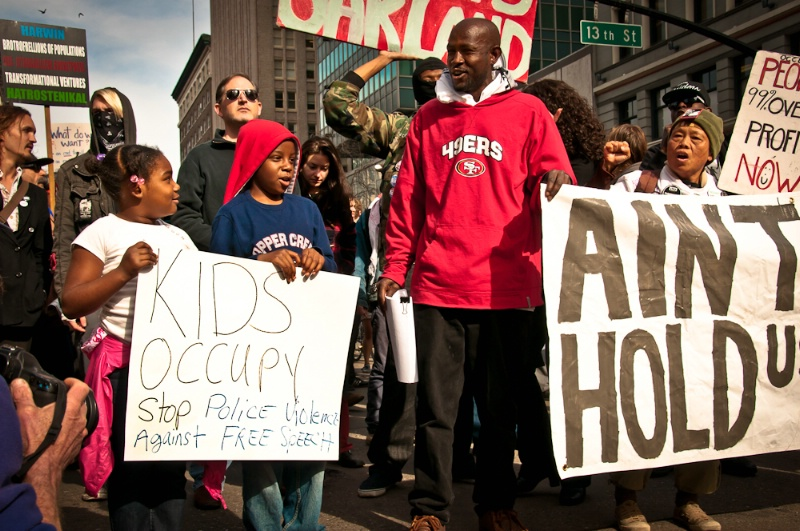 Occupy Oakland march to the courthouse leaders