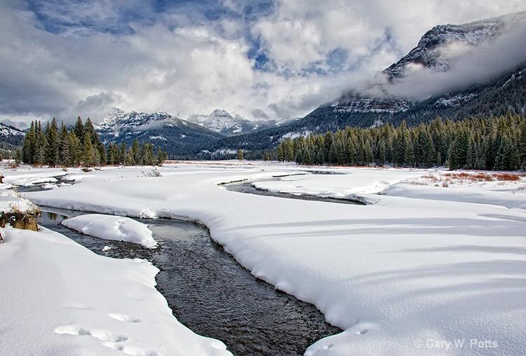 Yellowstone Intrigue # 2 - ID: 12762934 © Gary W. Potts