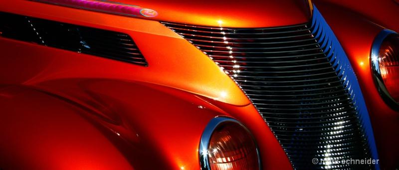 Ford on fire - ID: 12764786 © Mark Schneider