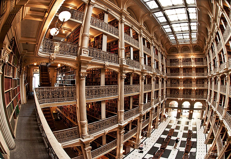 Peabody Library in Baltimore, MD - ID: 12765619 © Loan Tran