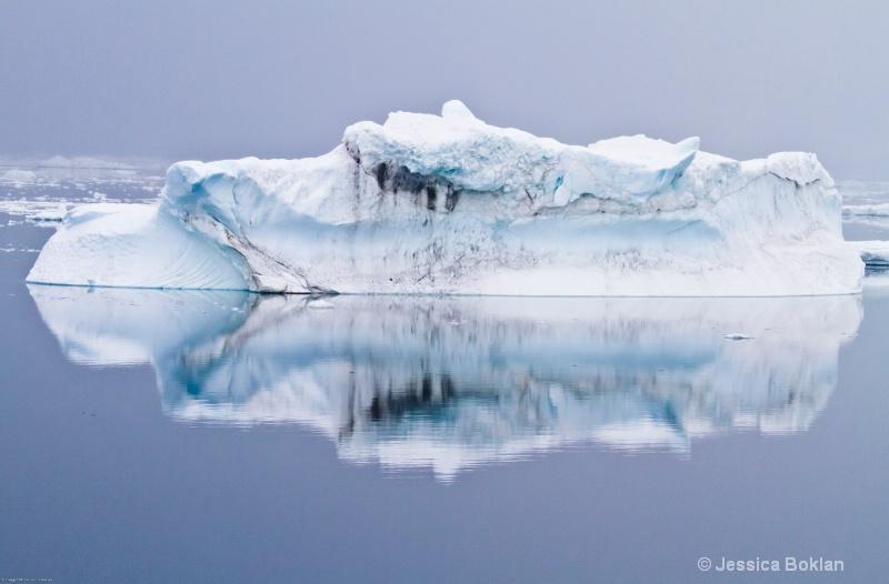 Tabular Iceberg - ID: 12793787 © Jessica Boklan