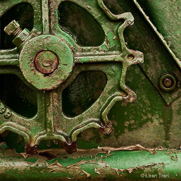 Green wheel - ID: 12837878 © Loan Tran