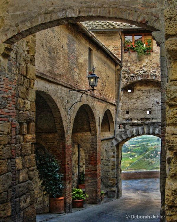 Walking through Montipulciano