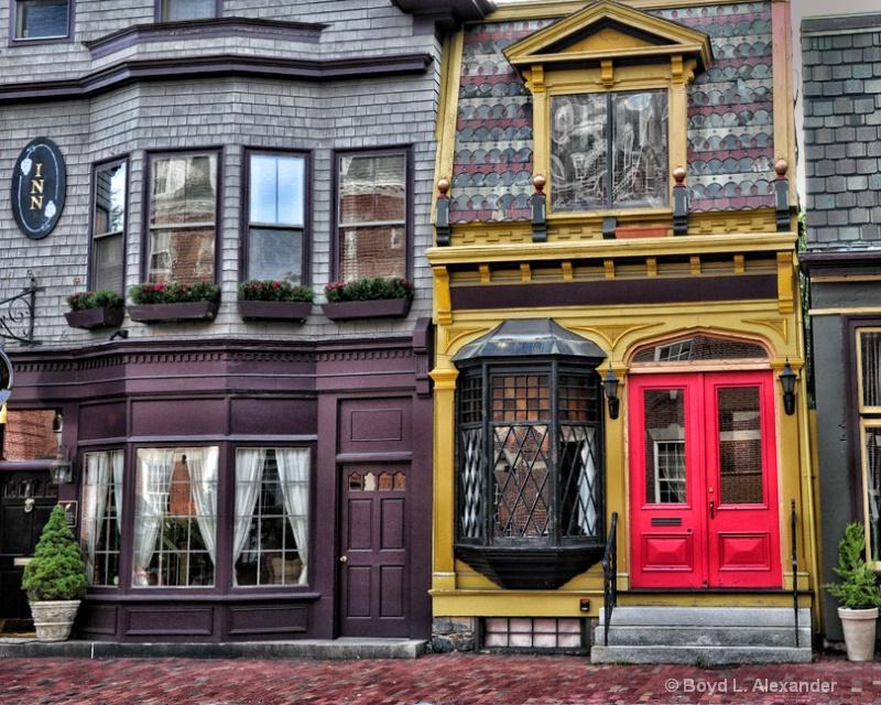 Red Door on Bellevue Avenue