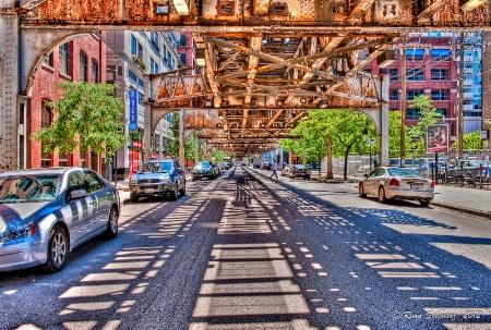 Under the El:Chicago
