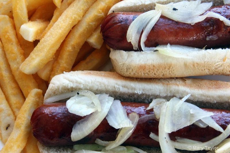 Hot Dogs - ID: 13034558 © Mary E. Taylor