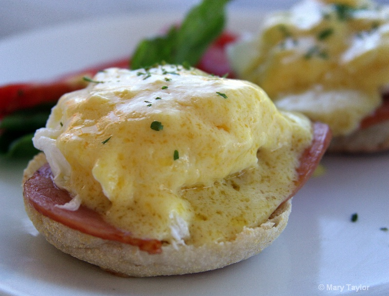 Eggs Benedict - ID: 13034569 © Mary E. Taylor
