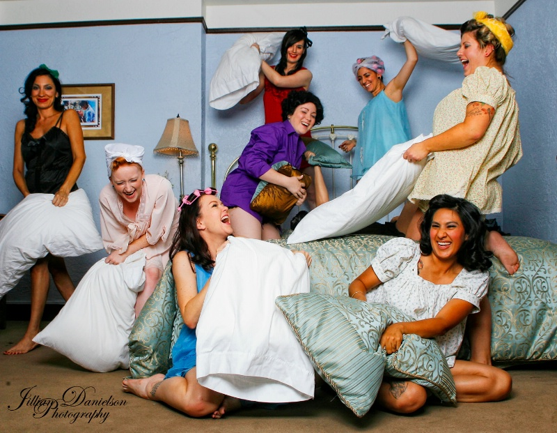Pinup Pillow Fight!