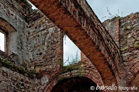 Flat Arch, Santo Domingo ruins