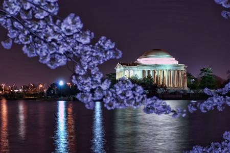 Jefferson at Night