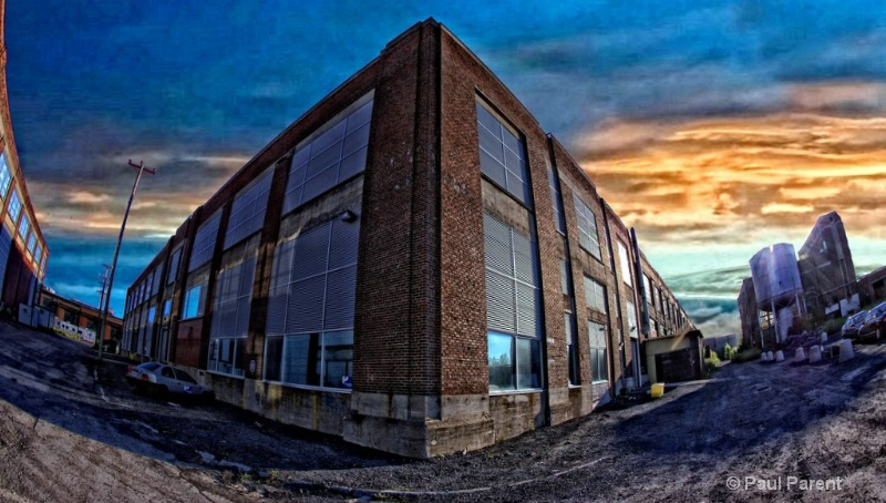 The Building - ID: 13173183 © paul parent