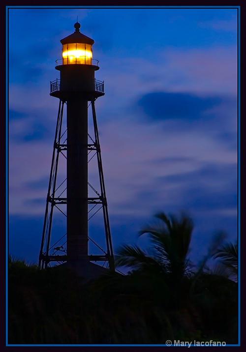 Framed Lighthouse - ID: 13246043 © Mary Iacofano