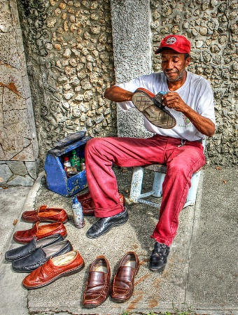 Dominican Shoe Shiner