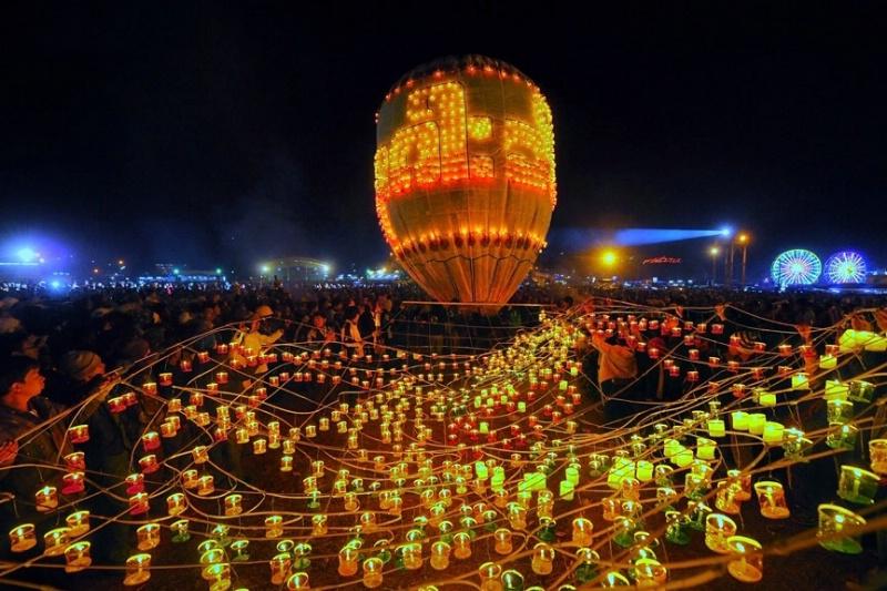 Fire balloon in myanmar