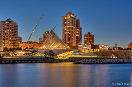 Milwaukee Art Museum at Twilight