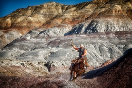 Ropin' The Painted hills