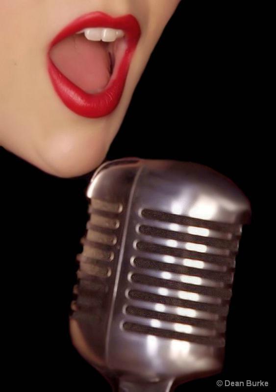 The Singer - ID: 13438504 © Dean Burke