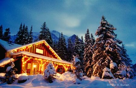 Cabin at Christmas, Photo 2