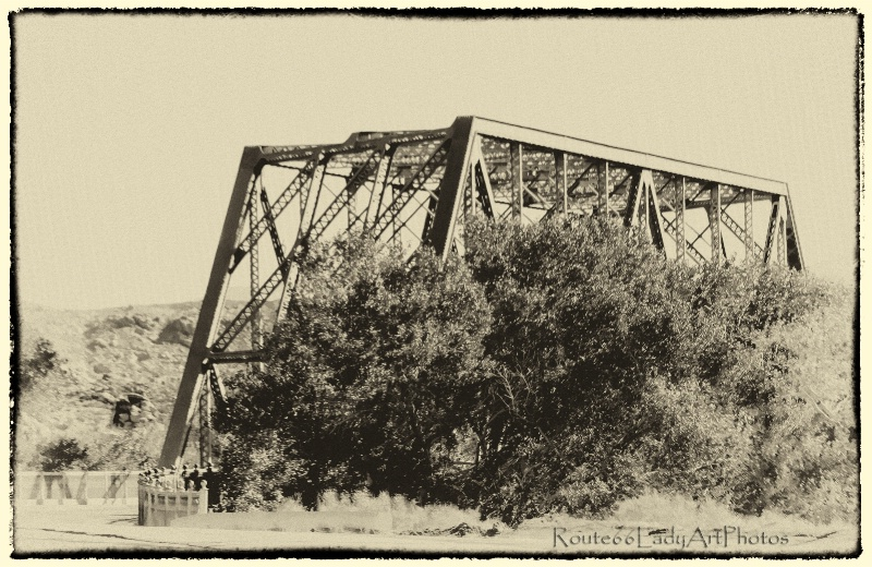 Over the Mojave - ID: 13587365 © JudyAnn Rector