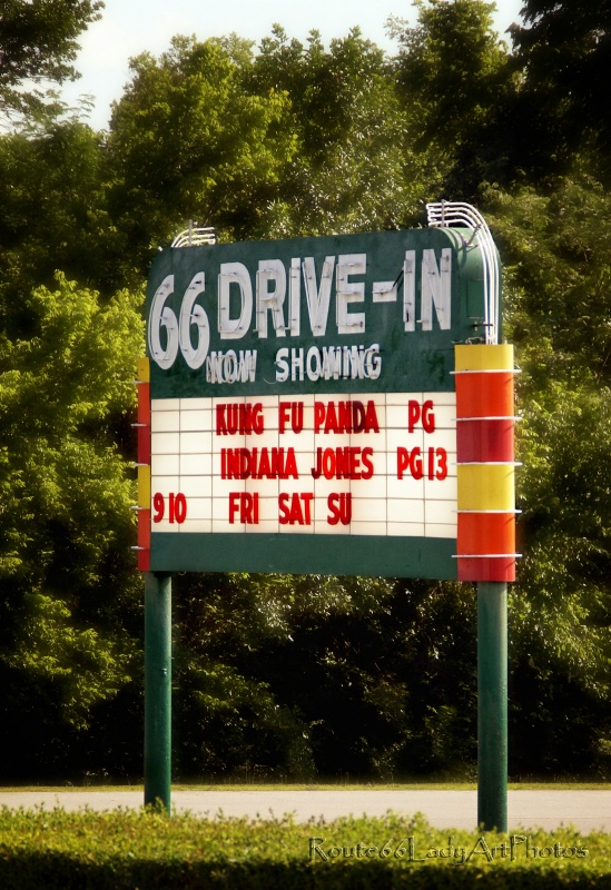 Route 66 Drive-in - ID: 13594892 © JudyAnn Rector