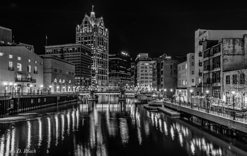 A View of Milwaukee - ID: 13599733 © John D. Roach