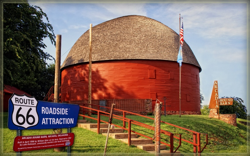The Round Barn - ID: 13600501 © JudyAnn Rector