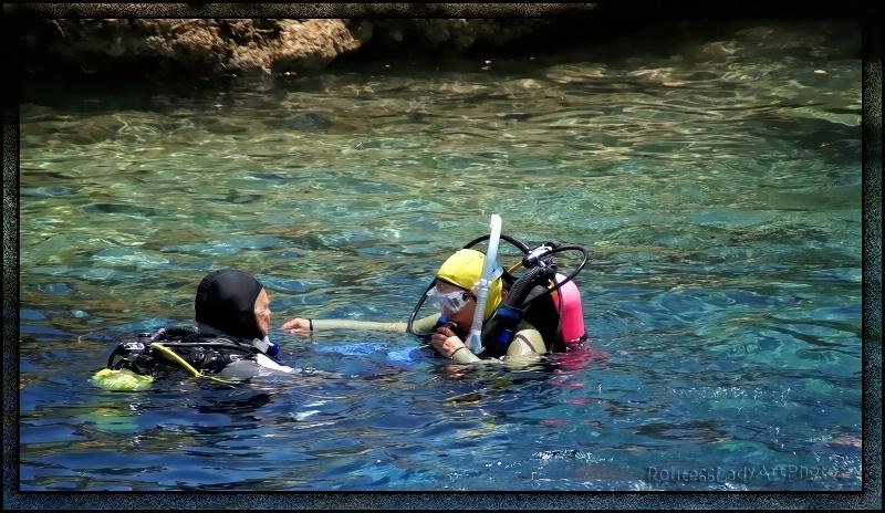 Always Dive with a Buddy - ID: 13611405 © JudyAnn Rector