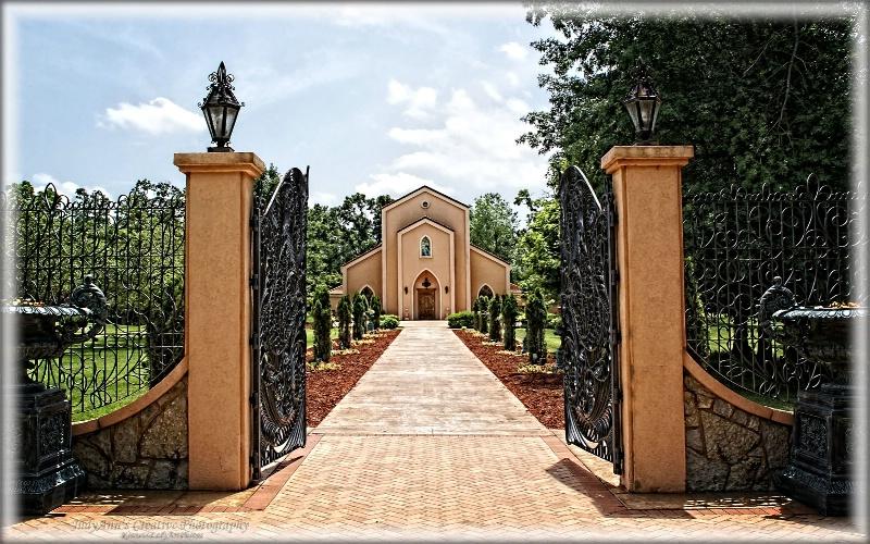 Precious Moments Chapel - ID: 13611425 © JudyAnn Rector