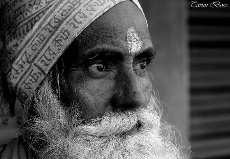 Profile of a Sadhu.